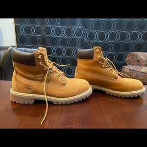 Unisex Timberlands Mens Size 5/ Womens fits Size 7